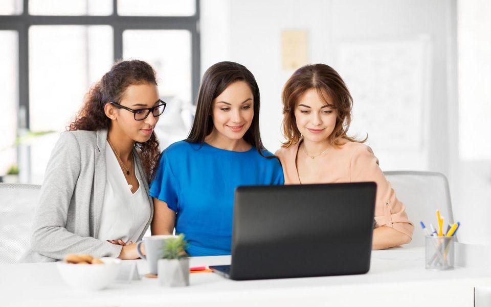 کسب و کارهای زنانه باعث استقلال خانم ها می شوند